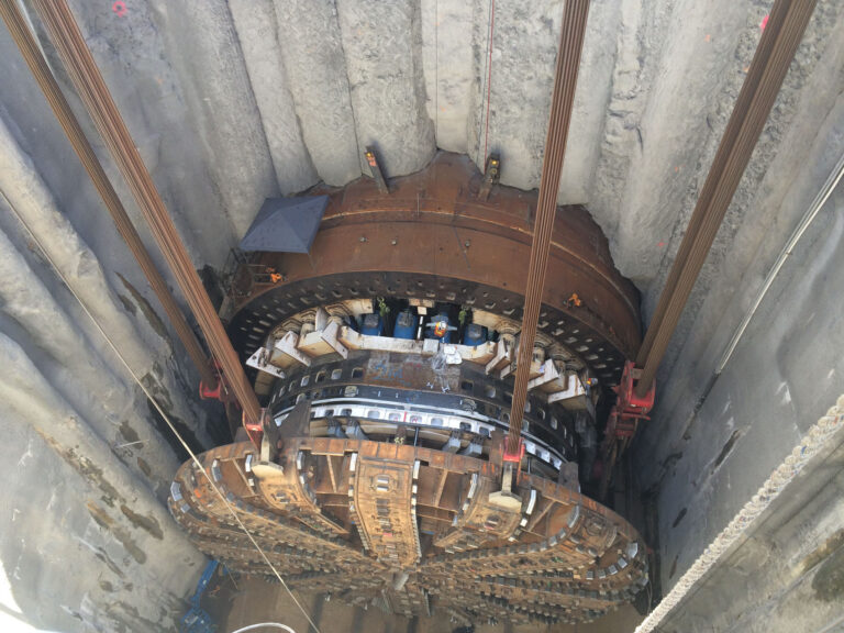 Setting up to remove cutter head of EPB-TBM